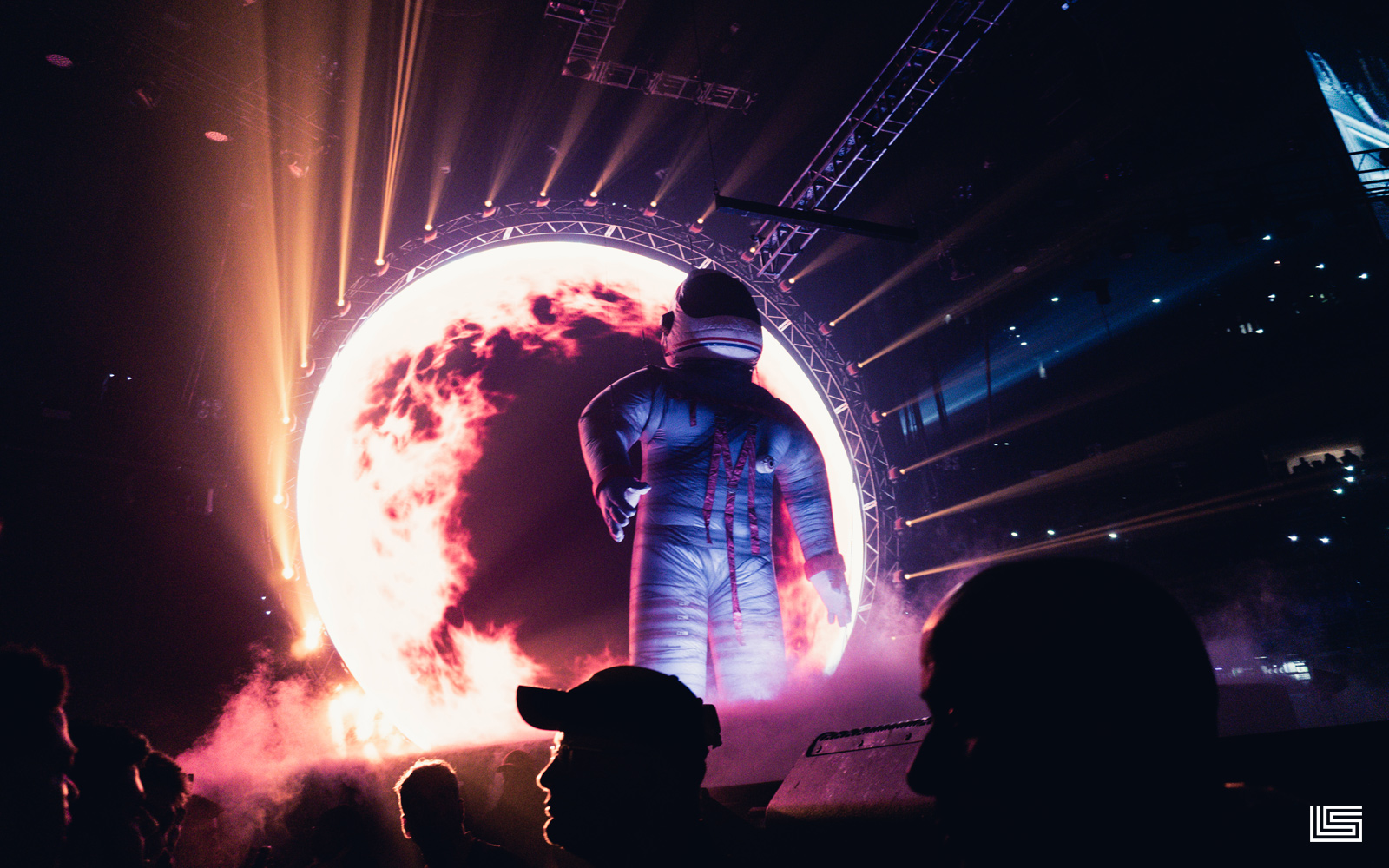 TRAVIS SCOTT COMES TO PHILLY–OUR ASTROWORLD EXPERIENCE