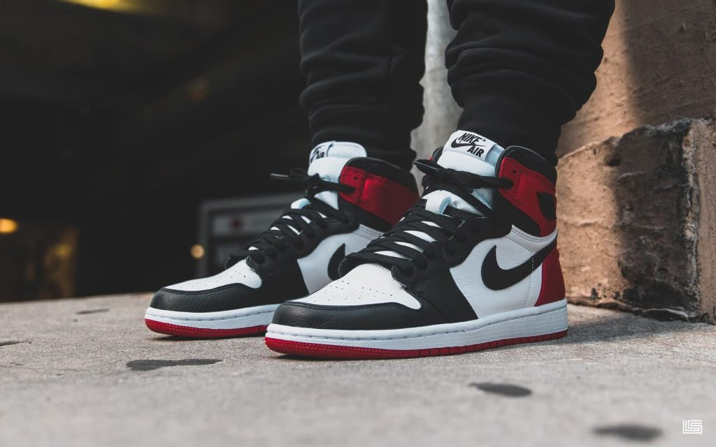 "super popular 8a548 99a69 Set to Drop: Air Jordan 1 High WMNS Satin ""Black Toe"" 