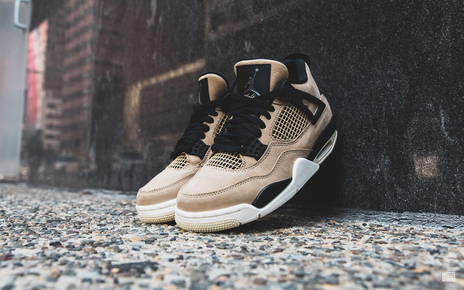 "SET TO DROP: WOMEN'S AIR JORDAN RETRO 4 ""MUSHROOM"""